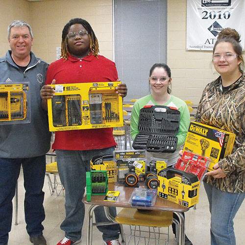Tippah Construction Students Use Grant Funds to Benefit Community