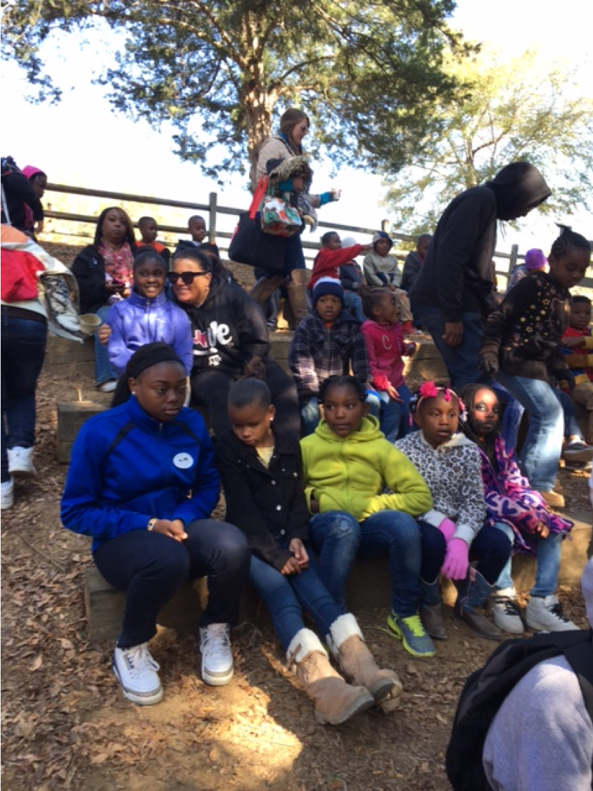 Como elementary students at petting farm